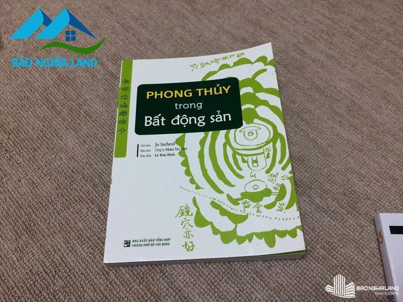 phong thuy ve bat dong san - 7 Cuốn sách kinh điển về đầu tư bất động sản phải đọc trong đời
