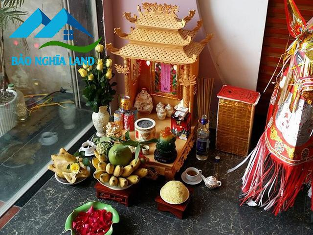 vi tri dat ban tho than tai tho dia - Cách đặt tượng Thần Tài và bố trí bàn thờ Ông Địa Thần Tài trong nhà